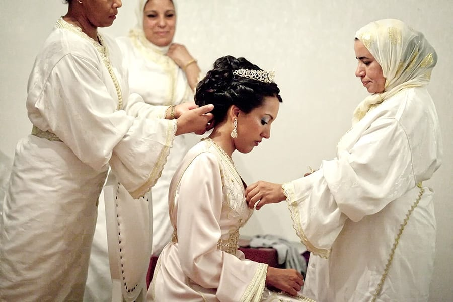 Bride in Morocco getting ready for the wedding by documentary photographer Christophe Viseux